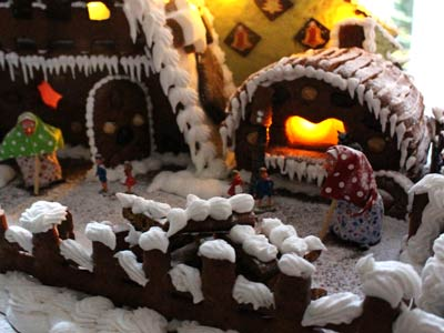 The oven: Gingerbread Cottage-oven